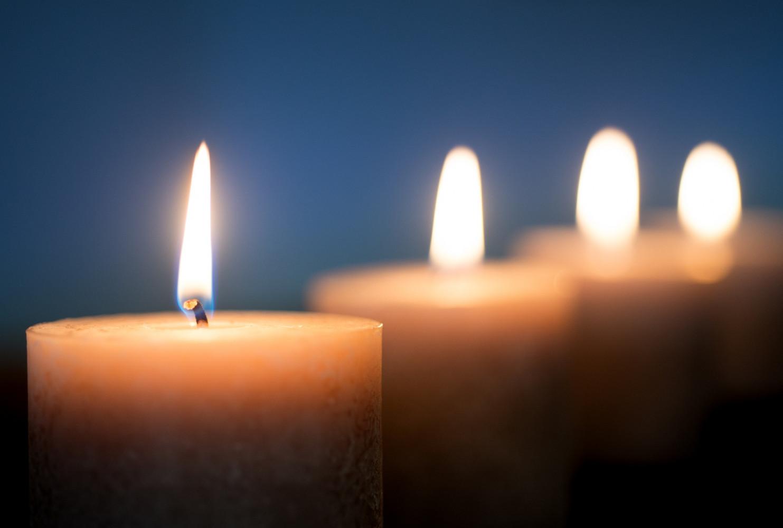 Kerzen und Trauer